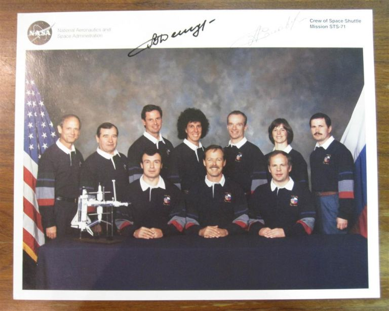 Autographed official NASA photograph of Space Shuttle Mission STS-71. Vladamir DEZHUROV, Anatoly SOLOVYEV.