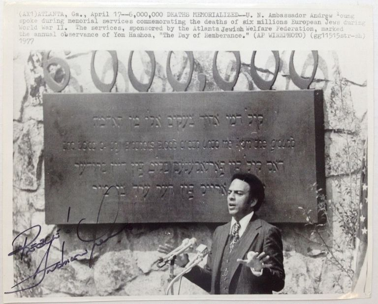 Signed Photograph. Andrew YOUNG, 1932 -.