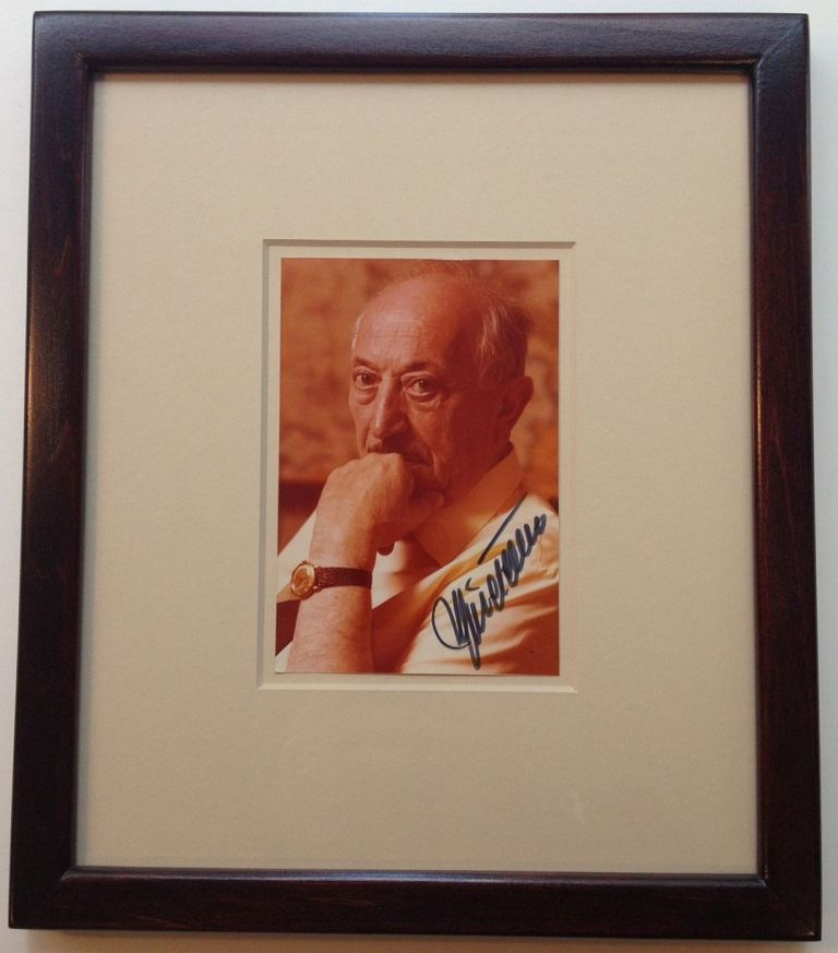 Framed Signed Photograph. Simon WIESENTHAL, 1908 - 2005.
