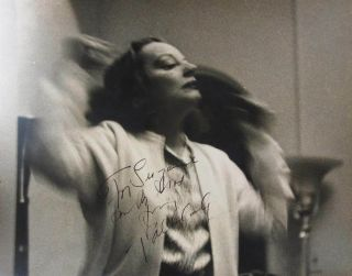 Signed Photograph. Tallulah BANKHEAD, 1902 - 1968.