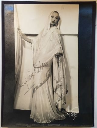 Signed Vintage Photograph. Josephine BAKER, 1906 - 1975.