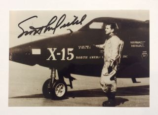 American Astronaut. Signed Photograph. Scott - CROSSFIELD, 1921 - 2006.